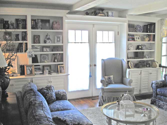 french country style family room bookcases. Black Bedroom Furniture Sets. Home Design Ideas