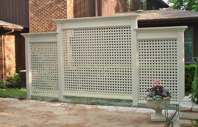 Lattice backyard ideas pinterest for Lattice yard privacy screen